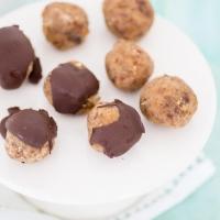 Dadelballetjes met Walnoot en Chocolade
