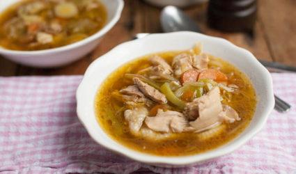 kippensoep-met-wortel-en-prei