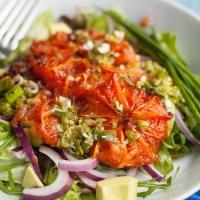 Salade met gegrilde grapefruit en avocado