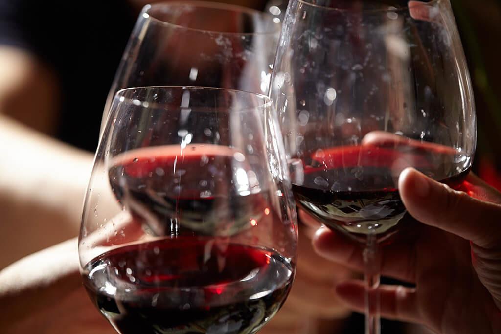 sterke rode wijn