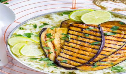 Paleo gerecht: teriyaki aubergine met bloemkoolrijst